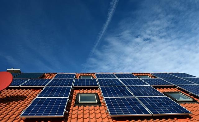 toiture et panneau solaire